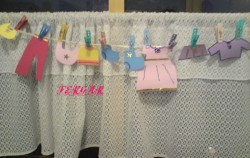 Tendedero-creativo-en-juegos-para-baby-shower-250x158