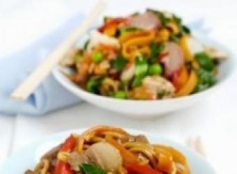 receta de Salteado oriental de pollo y pasta