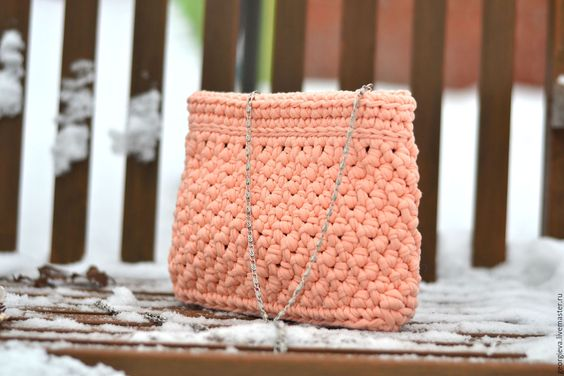 Patrones para hacer bolsos tejidos a crochet (1)