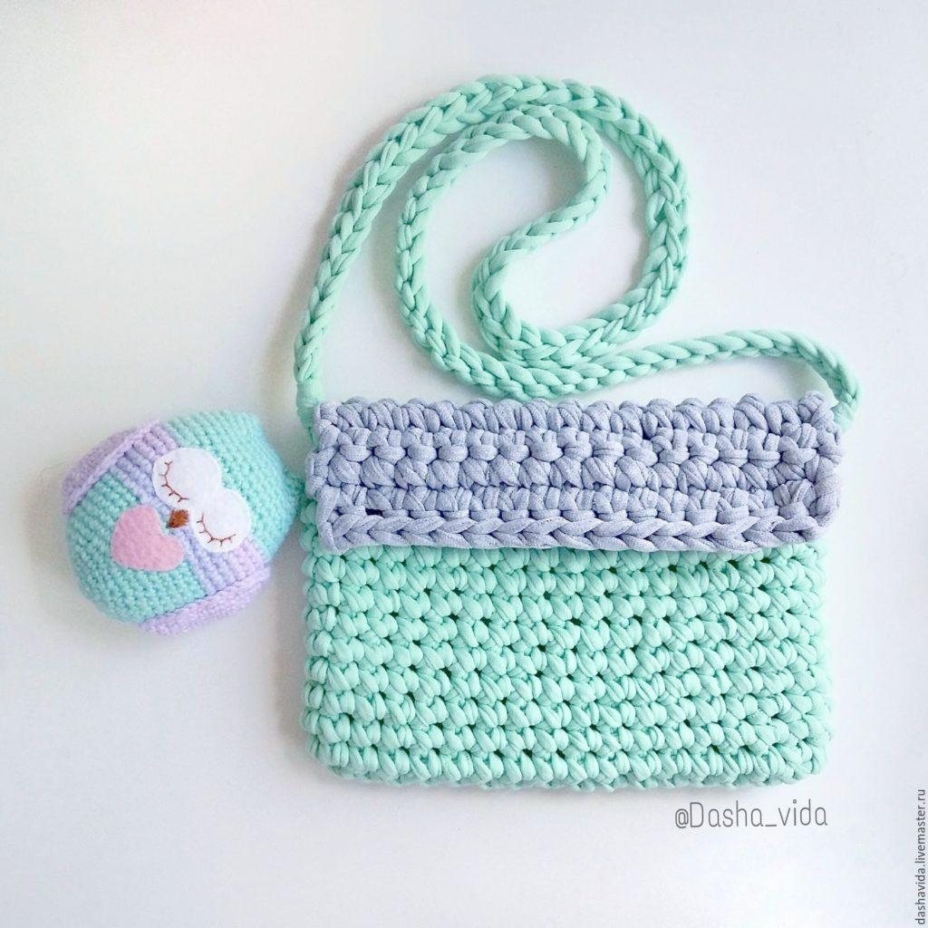 Patrones para hacer bolsos tejidos a crochet (3)