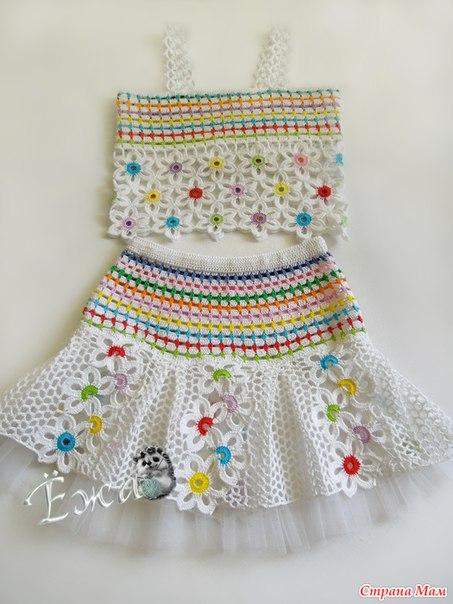 conjunto niña hecho a crochet con flores patrones05