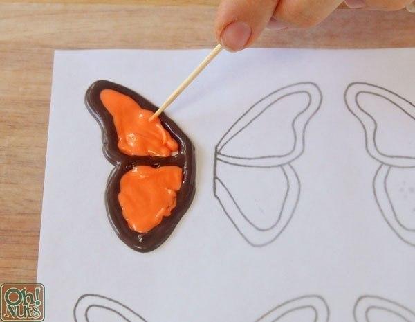 como hacer una mariposa de chocolate06
