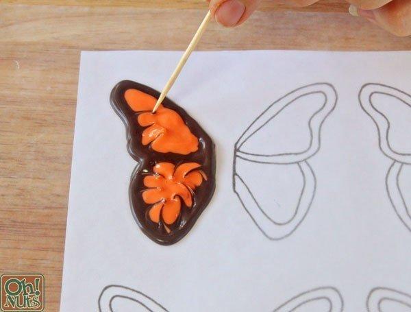 como hacer una mariposa de chocolate07