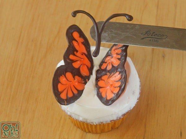 como hacer una mariposa de chocolate08