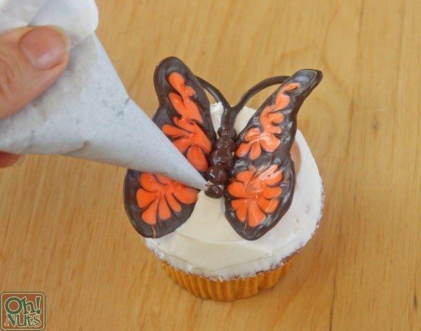 como hacer una mariposa de chocolate09