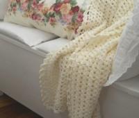 moldes para hacer una decoracion a crochet para almohadas y una manta