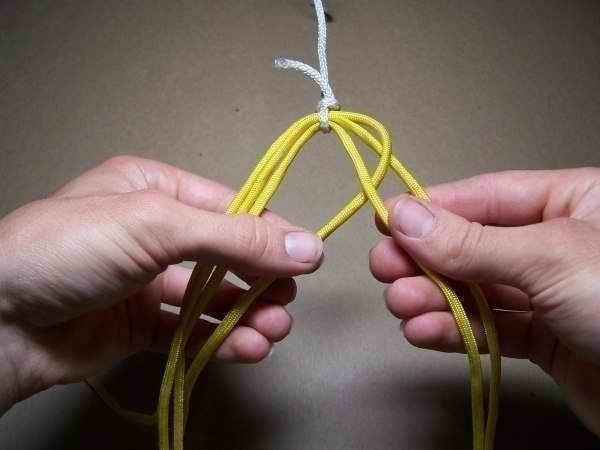 Como hacer una pulsera de 6 hilos patron (4)