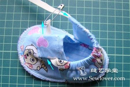 Como hacer unas pantuflas para bebe paso a paso (8)