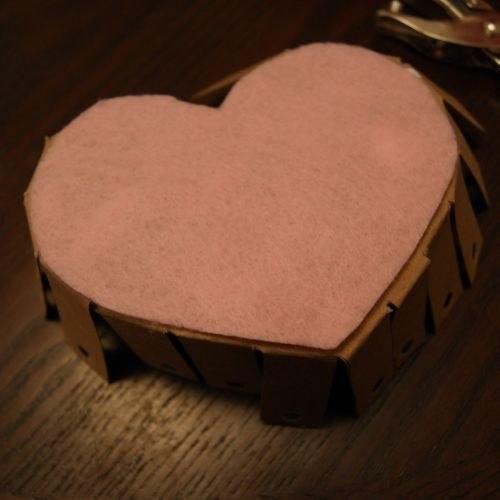 Patron para hacer una canasta de corazon (4)