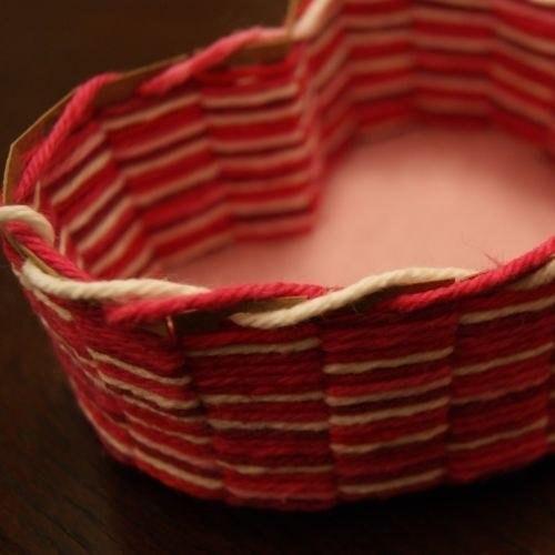 Patron para hacer una canasta de corazon (9)