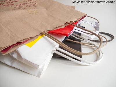 como hacer bolsas de regalo con materiales reciclables paso a paso06