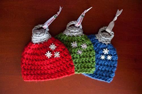 Gorros navideños tejidos a crochet par niños06