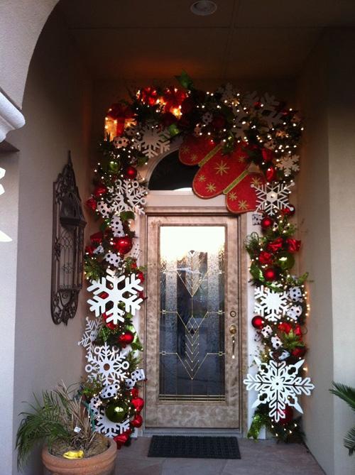 Ideas para decorar puertas en navidad01