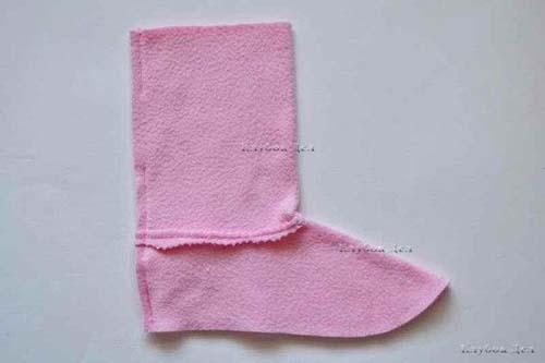 Molde para hacer unas botas de fieltro para niñas04