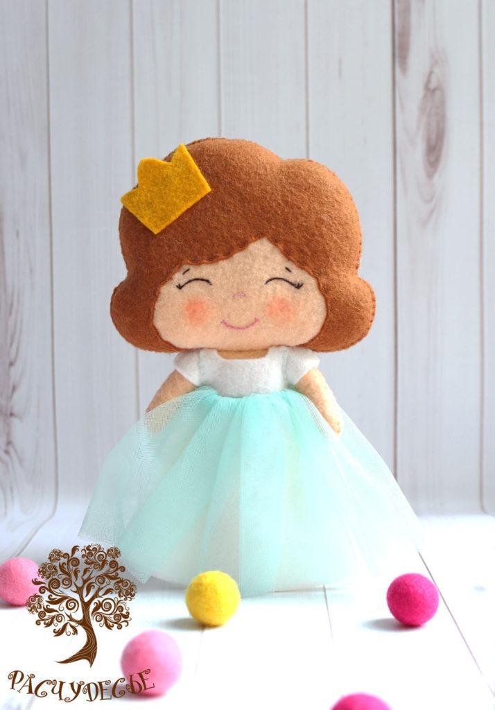 Moldes para hacer princesas de fieltro o tela03