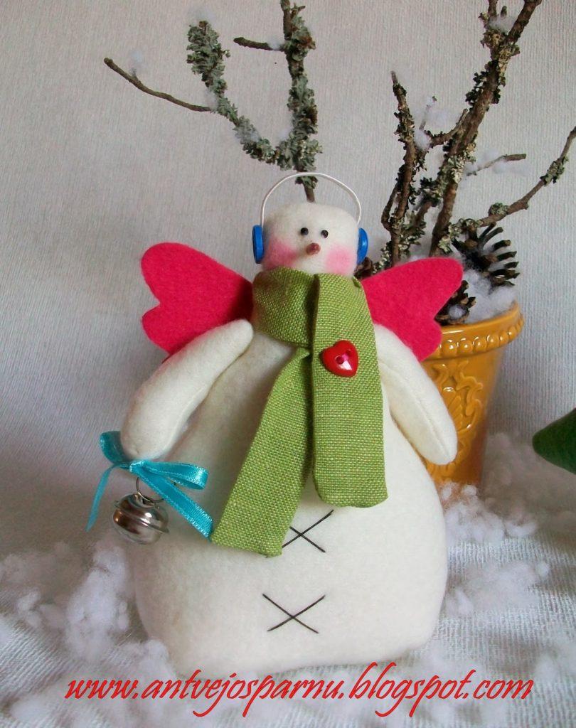 Muñecos de Nieve Grandes con Molde y Patrones gratis04