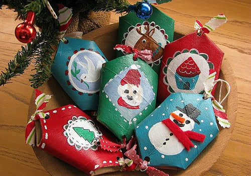 christmas-crafts-for-kids-reused-painted-toilet-paper-rolls-creative-decorating-tree-ornaments-ideas