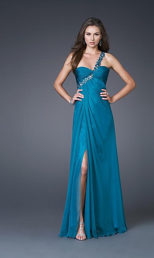 Patron gratis de un vestido elegante hermoso