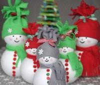 Como hacer muñecos de nieve con esferas unicel