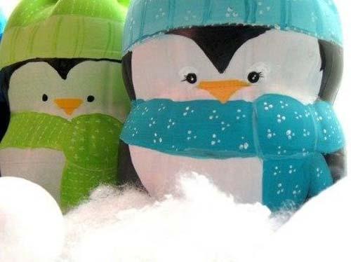 Como hacer punguinos navideños con botellas de plastico04