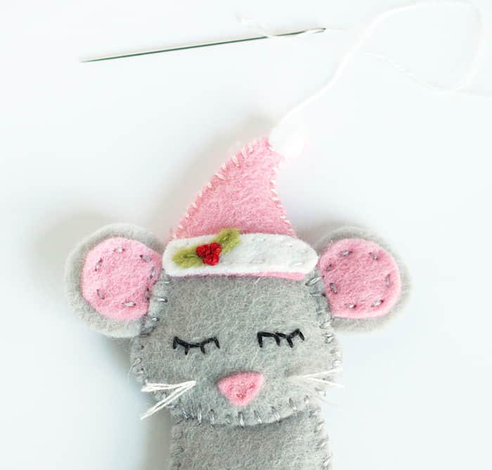 Como hacer ratones navideños con moldes03