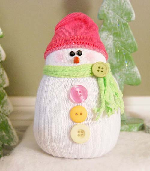 Como hacer un muñeco de nieve con calcetines reciclados10