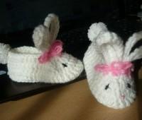Como hacer unos zapatitos de bebe conejo con patrones