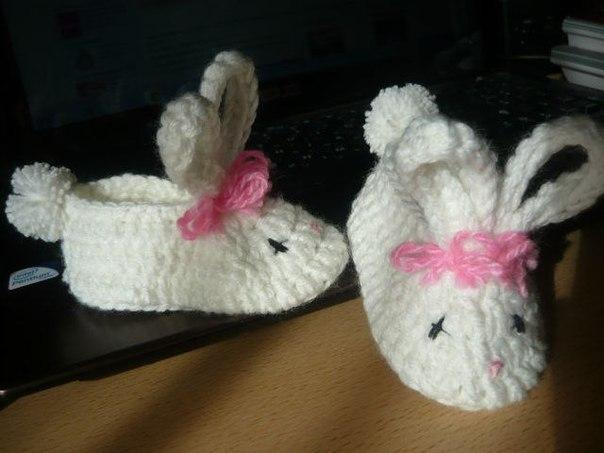 Como hacer unos zapatitos de bebe conejo con patrones02