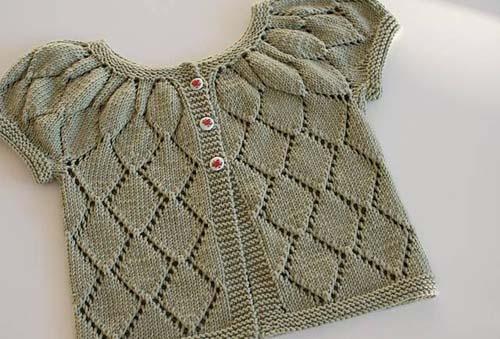 Modelos de chalecos tejidos a dos agujas para niñas de 1 año03