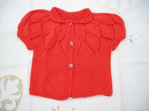 Modelos de chalecos tejidos a dos agujas para niñas de 1 año04