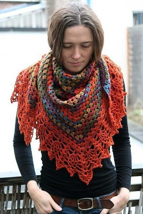Patron gratis para hacer un chal triangular a crochet03
