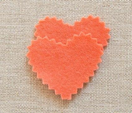 Como hacer corazones de fieltro paso a paso02