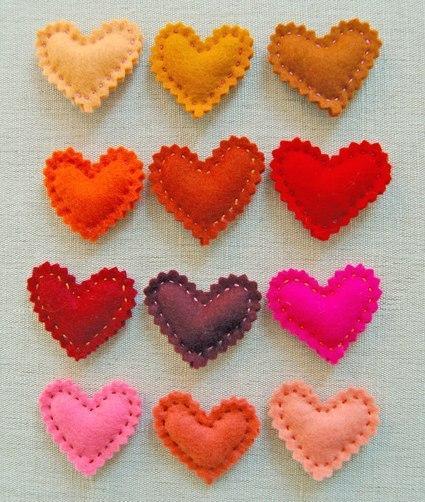 Como hacer corazones de fieltro paso a paso04
