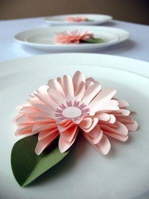 Como hacer flores de papel paso a paso08