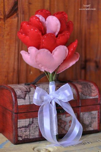 Como hacer un ramo de corazones de fieltro07
