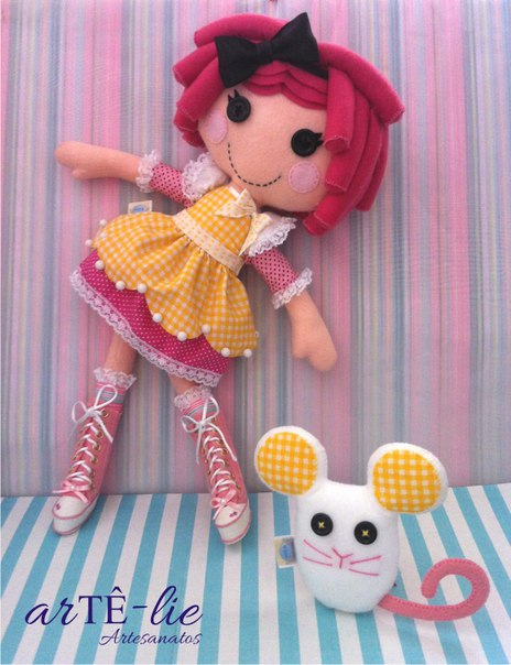Como hacer una muñeca lala loopsy de fieltro08