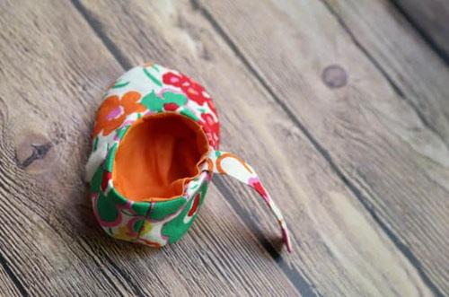 Como hacer zapatitos para bebes paso a paso07