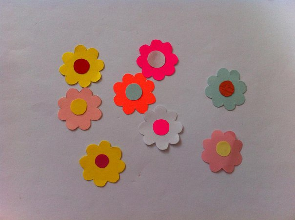 Como hacer flores faciles de papel07