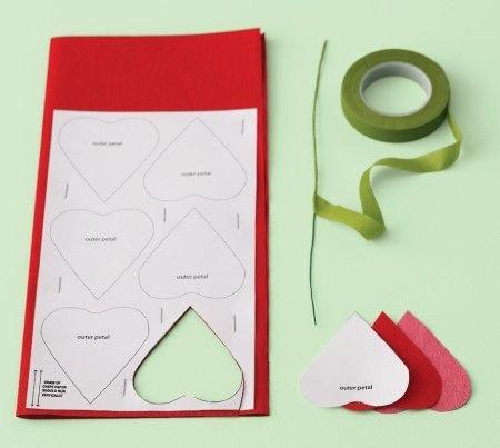 Como hacer rosas de papel paso a paso05