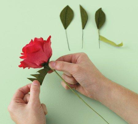 Como hacer rosas de papel paso a paso06