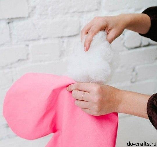 Como hacer una almohada en forma de corazon02