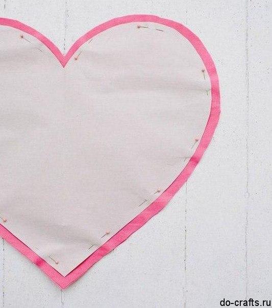 Como hacer una almohada en forma de corazon06