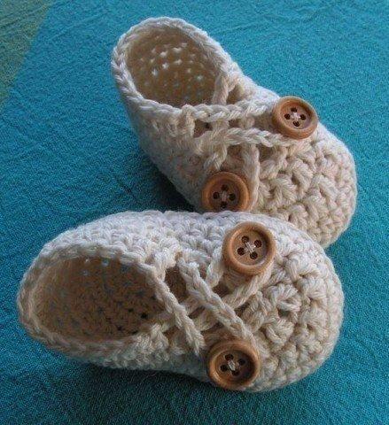 Zapatitos tejidos a crochet para niñas02