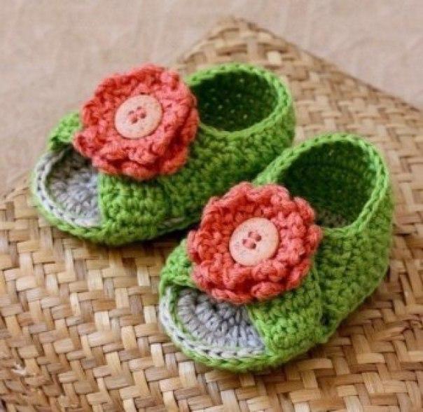 Zapatitos y sandalias a crochet para bebes08