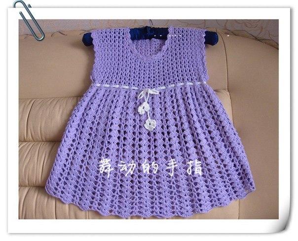Como hacer un vestido tejido a crochet para niñas01