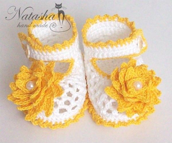 Zapatitos tejidos a crochet para bebes04