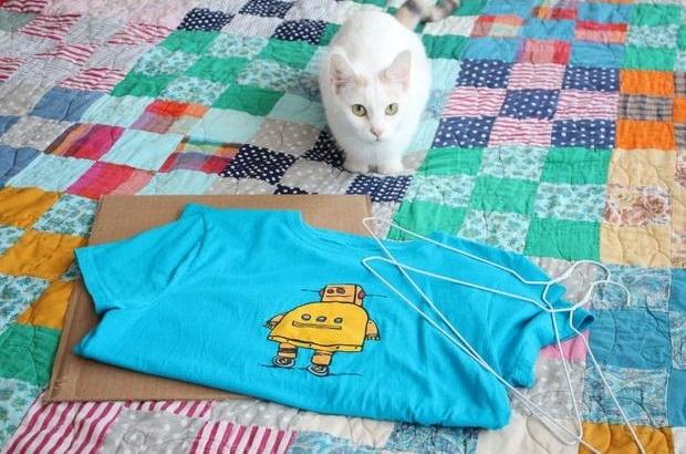 como hacer una casa para gatos con una camiseta11