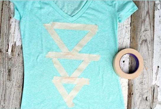 como-hacer-figuras-en-camisetas-unicolor3