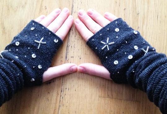como-hacer-guantes-dedos-descubiertos-con-medias9