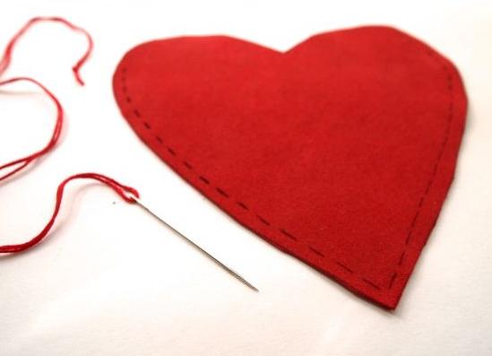 como-hacer-un-bolso-en-forma-de-corazon-facilmente4